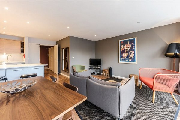 Hoxton Apartments, Curtain Road, EC2A 3AT